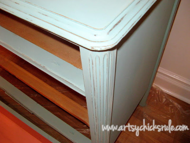 Chalk Paint Dresser Up Close:Artsy Chicks Rule