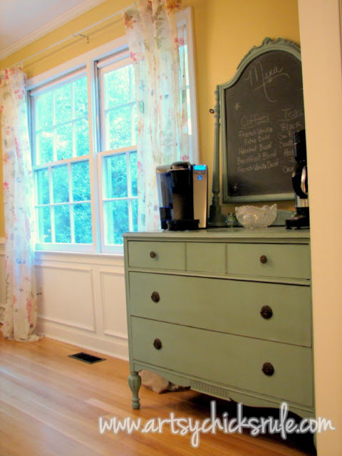 Pretty Teal Dresser:Artsy Chicks Rule