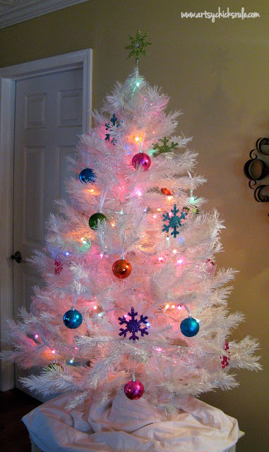 Oh Christmas Tree!...Super White, Super Sparkly & Super Colorful! artsychicksrule.com
