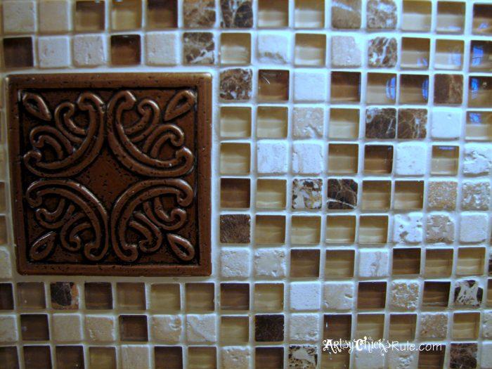 Kitchen tile backsplash do it yourself artsy chicks rule for Kitchen backsplash medallion