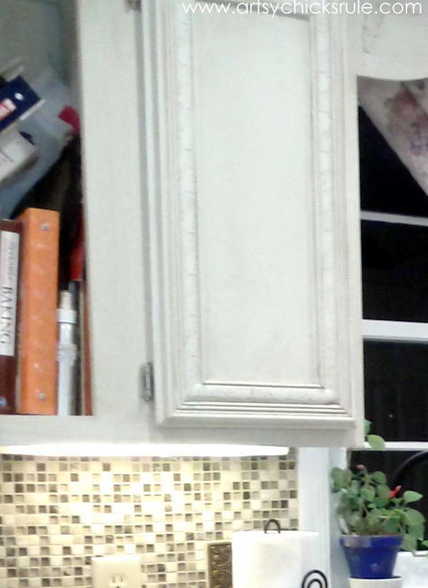 Kitchen Cabinet Cookbook shelf before - artsychicksrule.com #chalkpaint