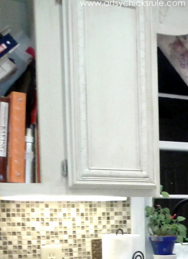 Kitchen Cabinet Cookbook shelf before - artsychicksrule.com #chalkpaint