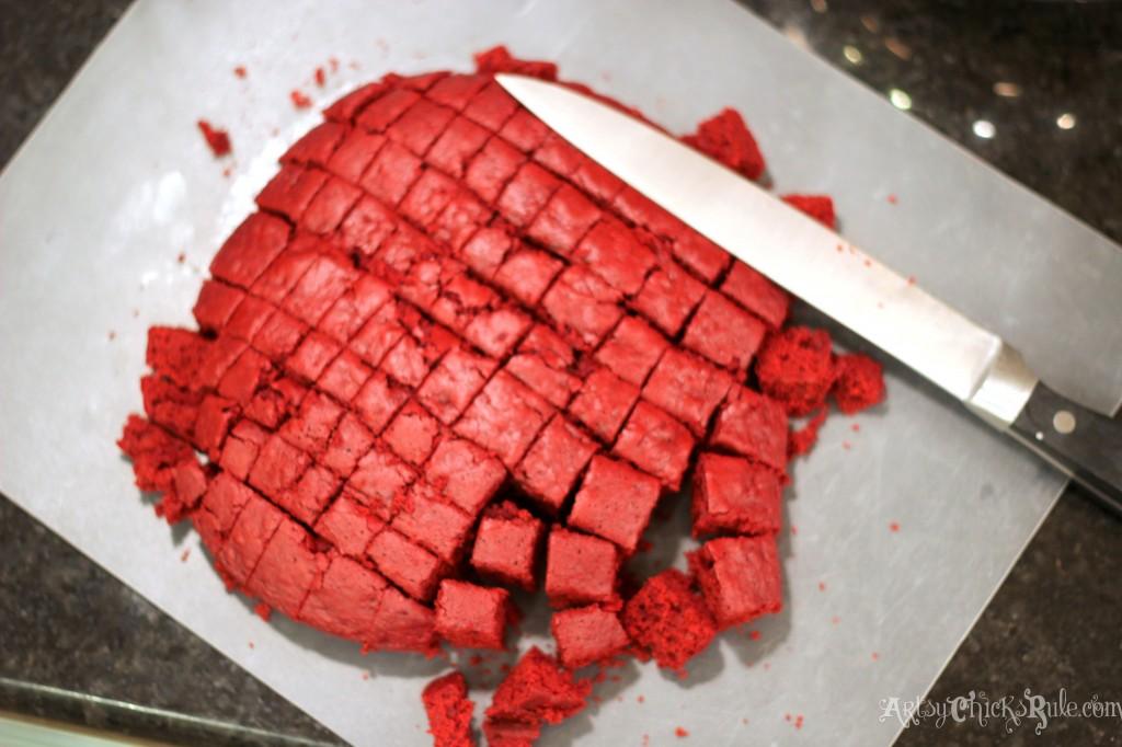 Cutting Red Velvet Cake into Small Squares- #redvelvet arstychicksrule.com
