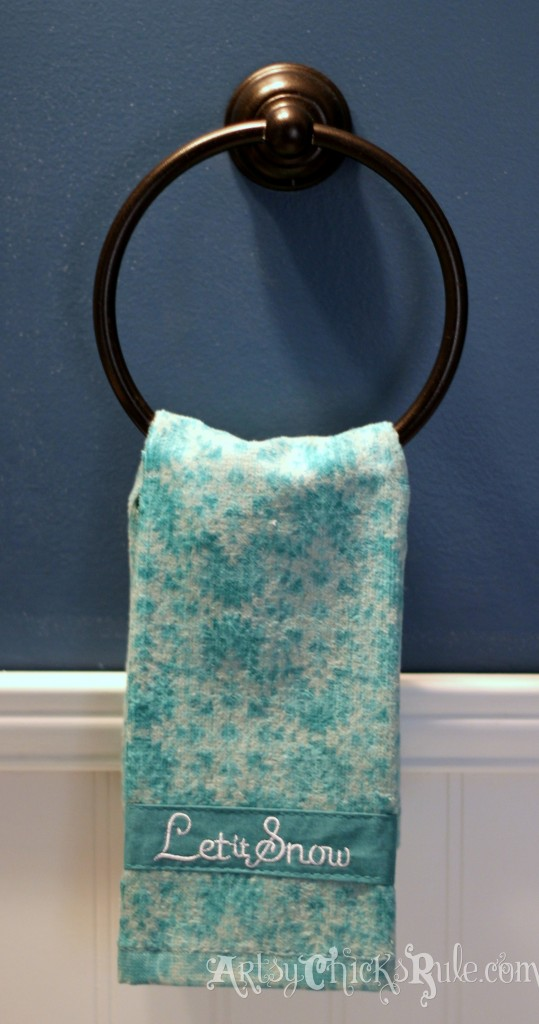 Guest Bath towel ring - bought at ReStore for 1 dollar - Sprayed with oil rubbed bronze - Holiday Home Tour