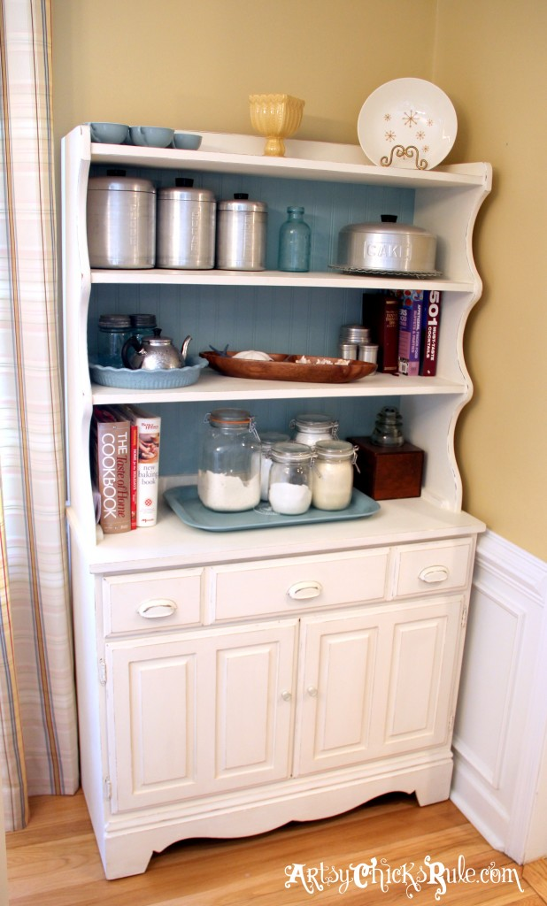 Baker's Hutch Makeover with Annie Sloan Chalk Paint