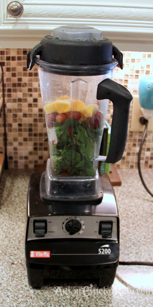 Green Smoothie in the blender - Vita Mix