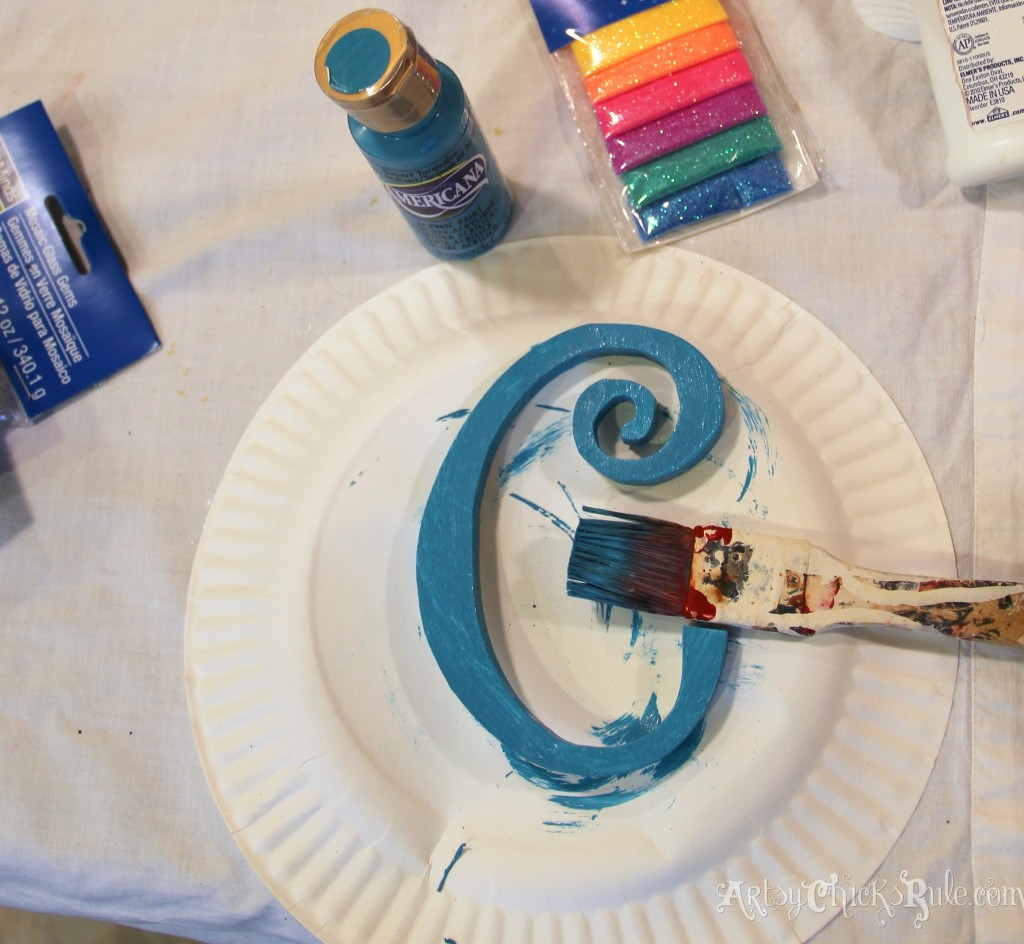 Painting monogram turquoise - Michael's-Hometalk Pinterest Party