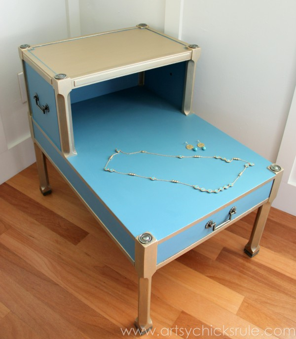 Turquoise Chalk Paint & Gold Metallic Side Table -Top- Jewel Inspired - artsychicksrule.com #chalkpaint #goldmetallic #metallicfurniture #turquoise