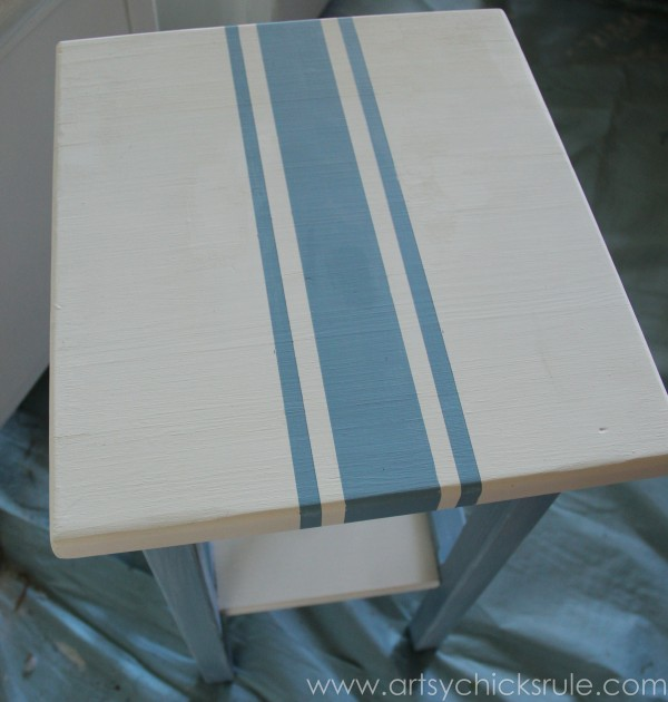 Grain Sack Table Makeover -  stripes before distressing - #chalkpaint #milkpaint #grainsack - artsychicksrule.com