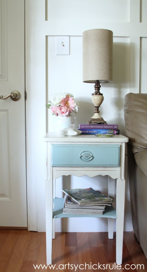 Lamp Makeover with Chalk Paint - After Styled -artsychicksrule.com #thrifty #chalkpaint #homedecor