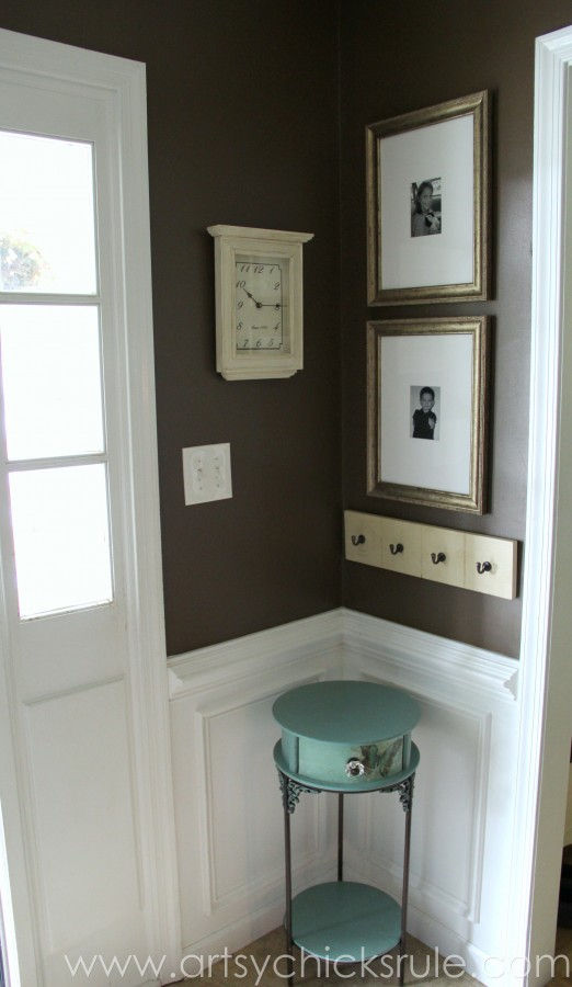 Foyer before after 10 years in the making artsy for Chalk paint at sherwin williams