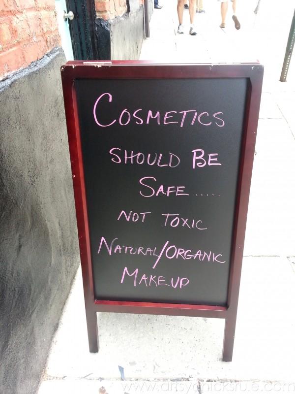 Asheville NC Road Trip - I agree - artsychicksrule.com #asheville #downtown