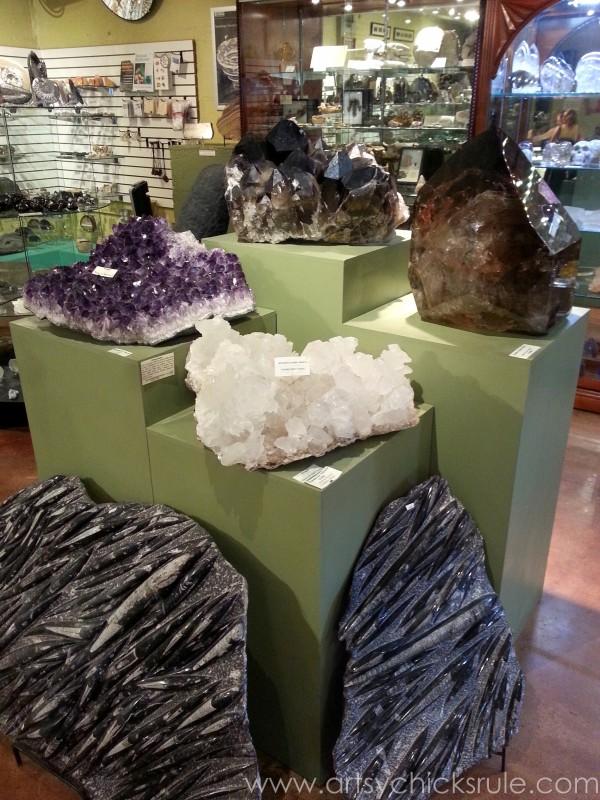 Asheville NC Road Trip - Pretty Rocks - artsychicksrule.com #asheville #downtown