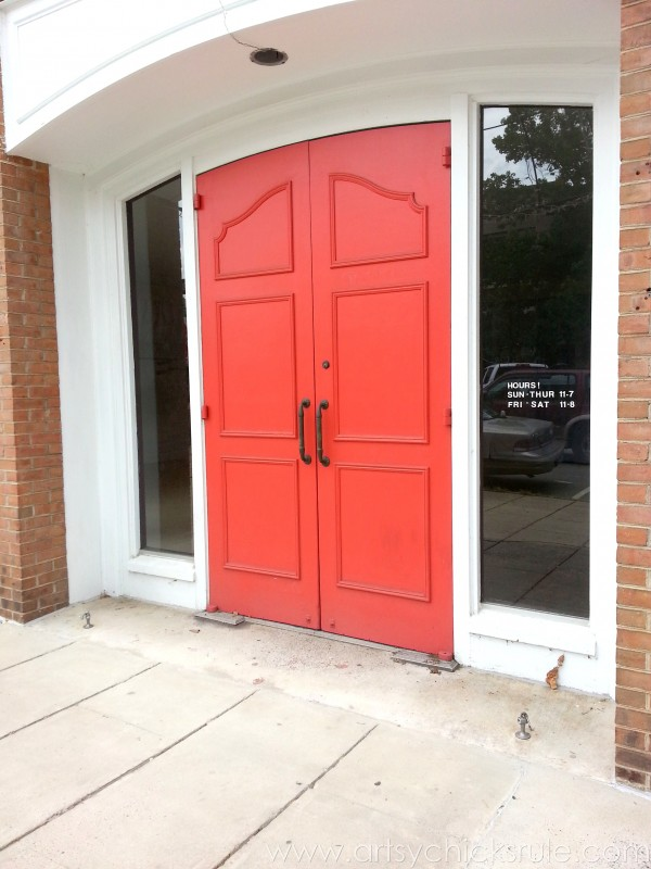 Asheville NC Road Trip - Red Doors - artsychicksrule.com #asheville #downtown