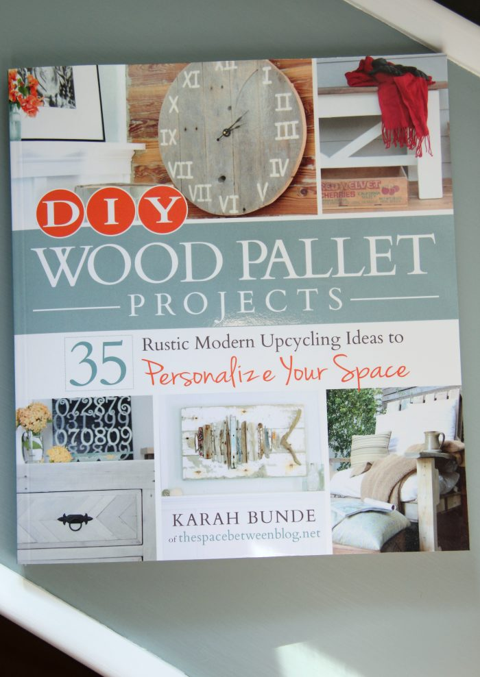 DIY Wood Pallet Projects {book review} - Artsy Chicks Rule®