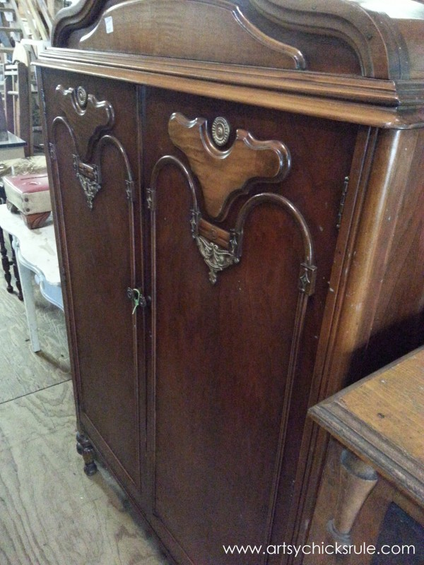 Page's Thieves Market - armoire - Mt. Pleasant SC - #vintage #antiques artsychicksrule.com