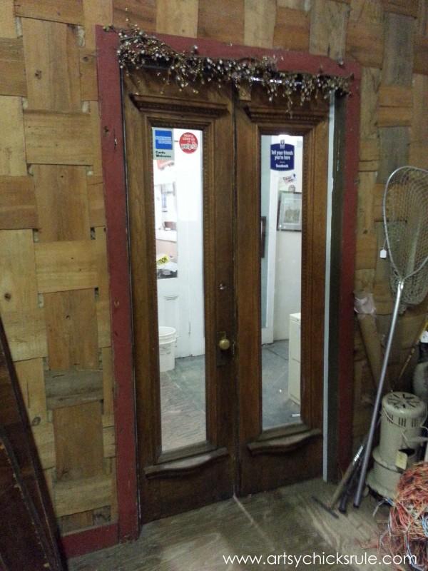 Page's Thieves Market - door love - Mt. Pleasant SC - #vintage #antiques artsychicksrule.com