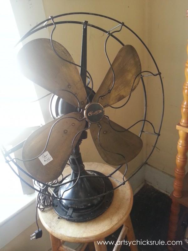 Page's Thieves Market - fan - Mt. Pleasant SC - #vintage #antiques artsychicksrule.com