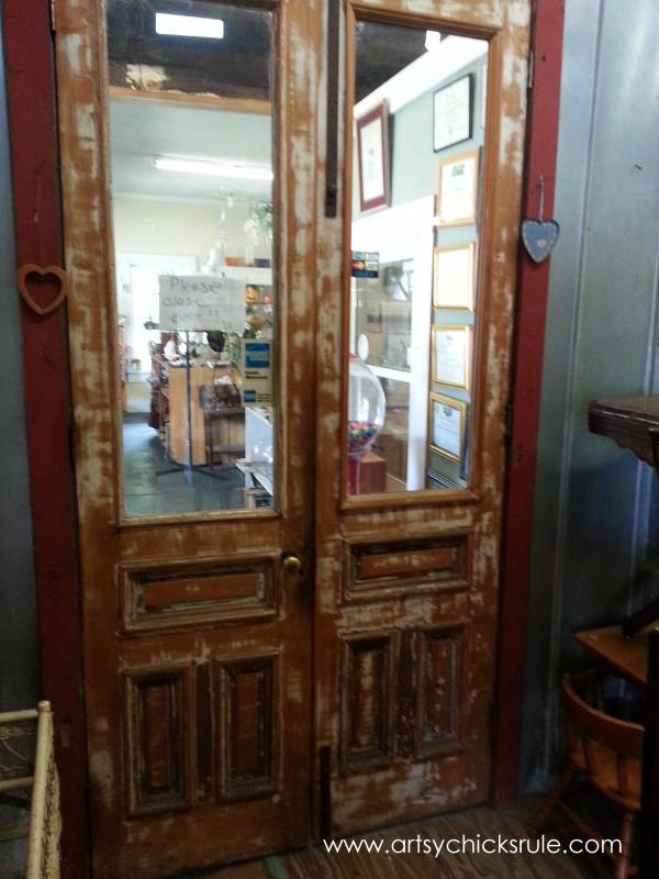 Page's Thieves Market - more door love - Mt. Pleasant SC - #vintage #antiques artsychicksrule.com