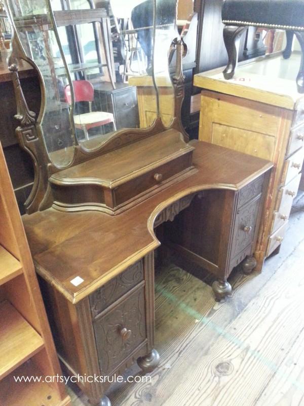 Page's Thieves Market - vintage goodness - Mt. Pleasant SC - #vintage #antiques artsychicksrule.com