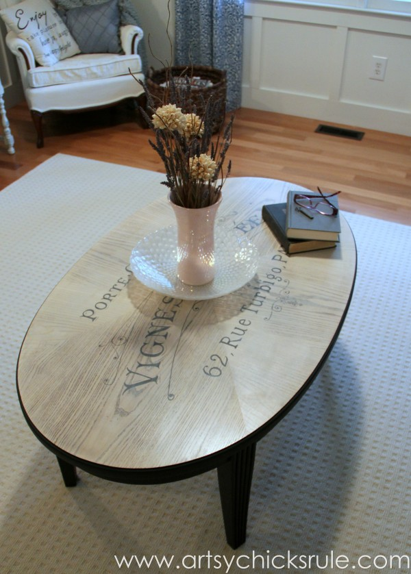 French Typography Coffee Table Makeover - accessories - artsychicksrule.com #milkpaint #chalkpaint #french #typography