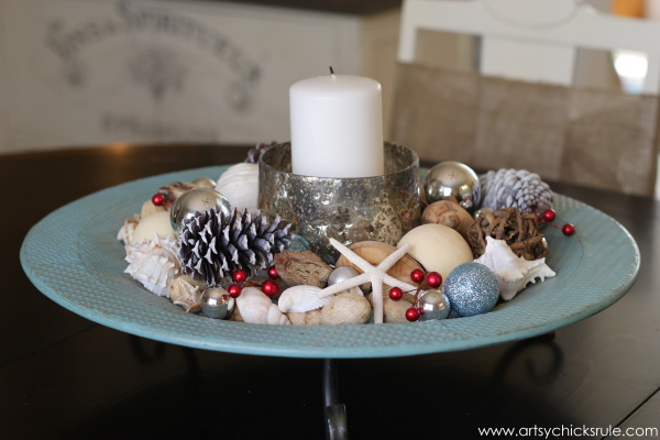 Christmas Home Tour 2014 - Red and Teal Themed - Dining - Centerpiece - #christmas #hometour #holidays #holidaydecor #redandteal artsychicksrule.com