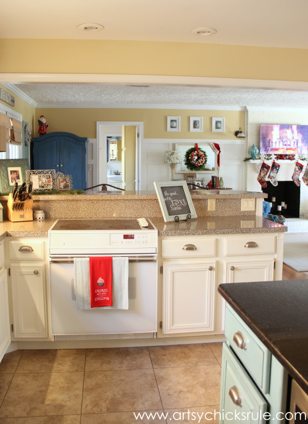Christmas Home Tour 2014 - Red and Teal Themed - Kitchen - Looking towards Family Room - #christmas #hometour #holidays #holidaydecor #redandteal artsychicksrule.com
