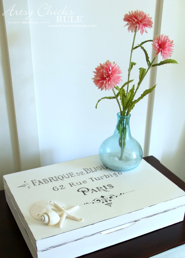French Paris Box Makeover with Chalk Paint - French Country - #chalkpaint #purewhite #anniesloan #paris #french #frenchcountry artsychicksrule.com