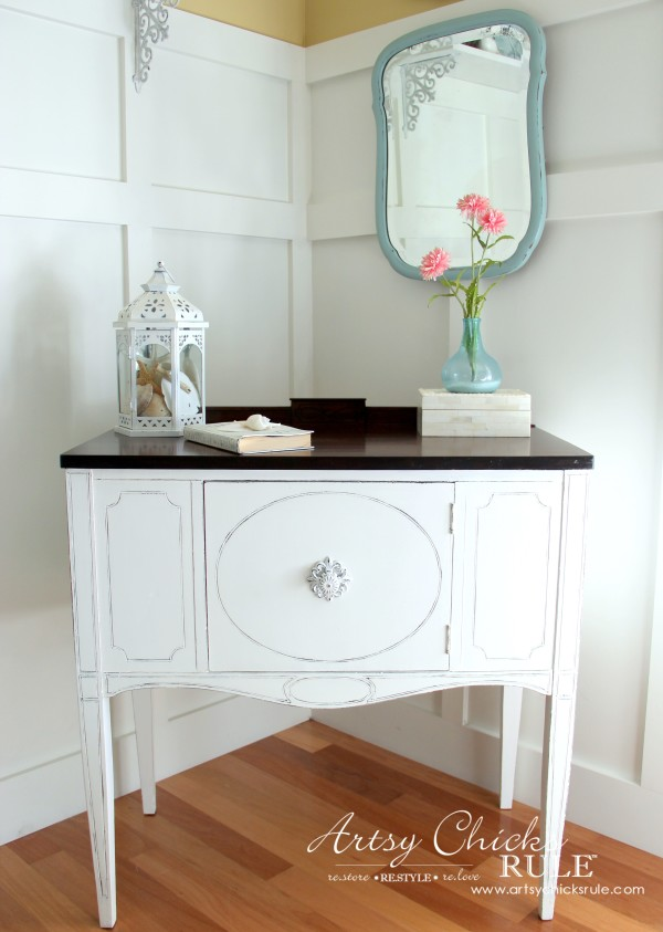 Sideboard Makeover with Java Gel and Chalk Paint - French Country Coastal - #javagel #chalkpaint #frenchcountry #anniesloan #makeover artsychicksrule.com