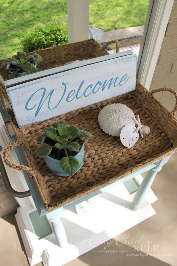 Easy DIY Welcome Sign - Front Porch - #welcome #sign artsychicksrule.com