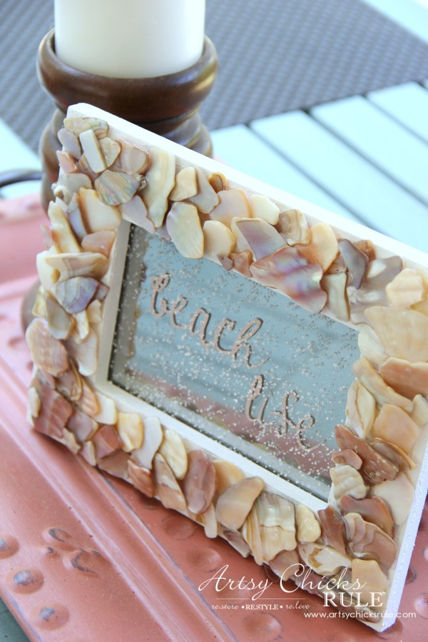 DIY Seashell Frame Art - Beach Life with Sprinkled Sand - #beach #seashell artsychicksrule.com