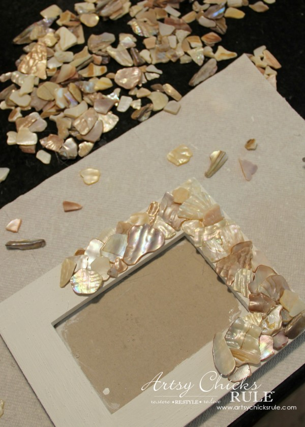 DIY Seashell Frame Art - Go all the way around layering shells - #beach #seashell artsychicksrule.com