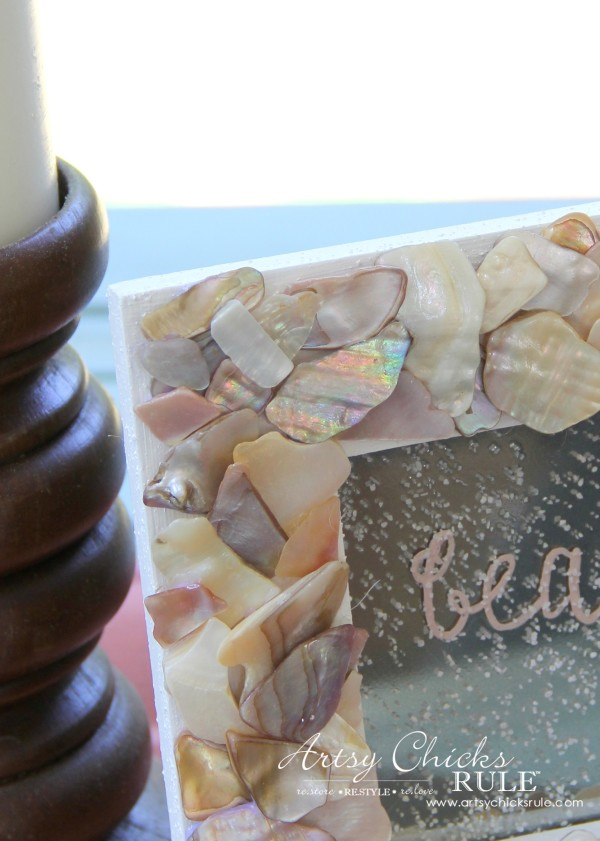 DIY Seashell Frame Art - Shell Frame - #beach #seashell artsychicksrule.com