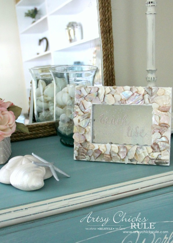 DIY Seashell Frame Art - Spray Looking Glass onto Back - #beach #seashell artsychicksrule.com