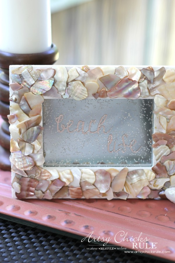 DIY Seashell Frame Art - Sprinkle sand on front - #beach #seashell artsychicksrule.com