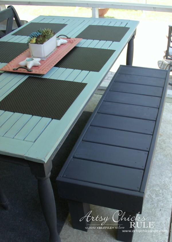 Simple DIY Outdoor Bench - artsychicksrule.com