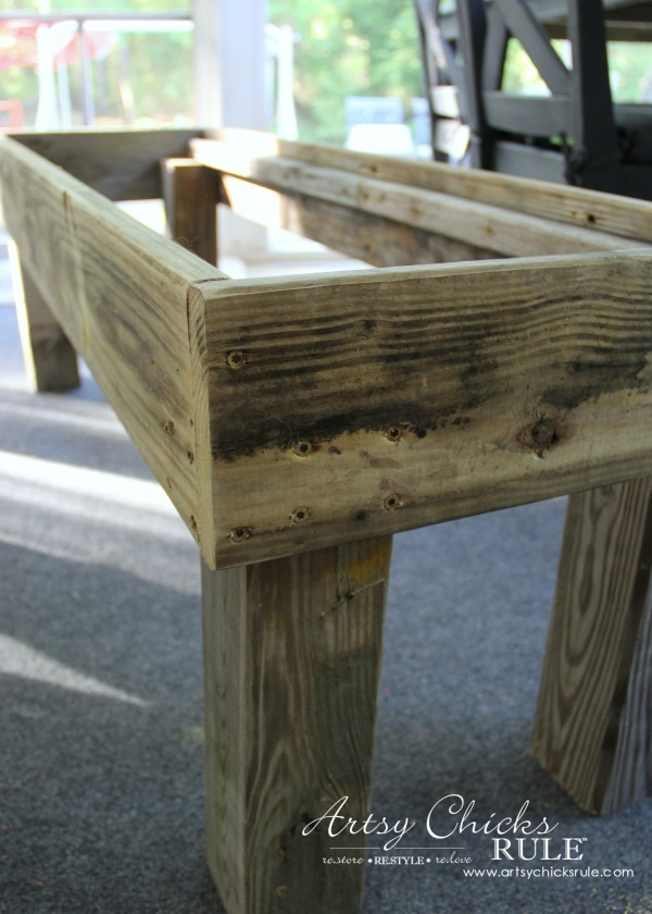Simple DIY Outdoor Bench - secured with screws - #diy #outdoorbench #outdoorfurniture #diybuild artsychicksrule.com