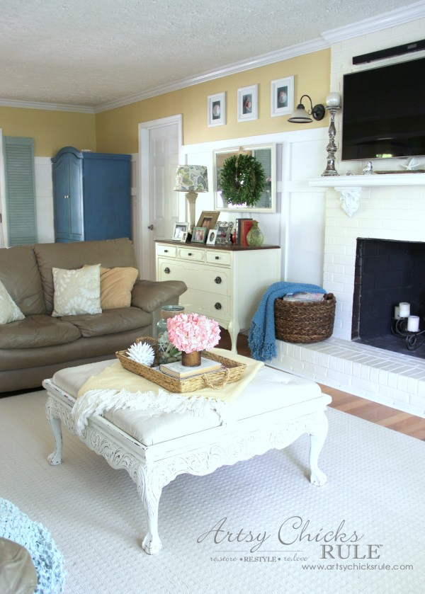 Coastal Summer Home Tour - with Balsam Hill - Coastal Home Decor - #nautical #coastal #homedecor artsychicksrule.com