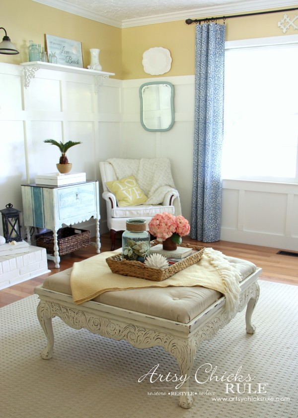 Coastal Summer Home Tour - with Balsam Hill -Coastal Room - #nautical #coastal #homedecor artsychicksrule.com