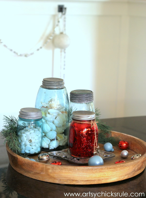 Decorating with Trays - Inspiration for using them in your home! - #Christmasdecor #homedecor artsychicksrule.com