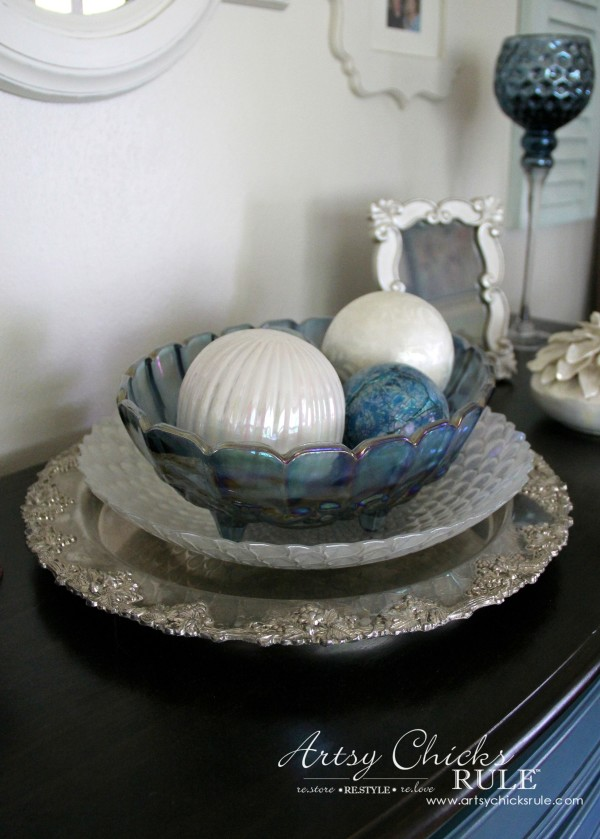 Decorating with Trays - Inspiration for using them in your home! - #aubussonblue #homedecor artsychicksrule.com