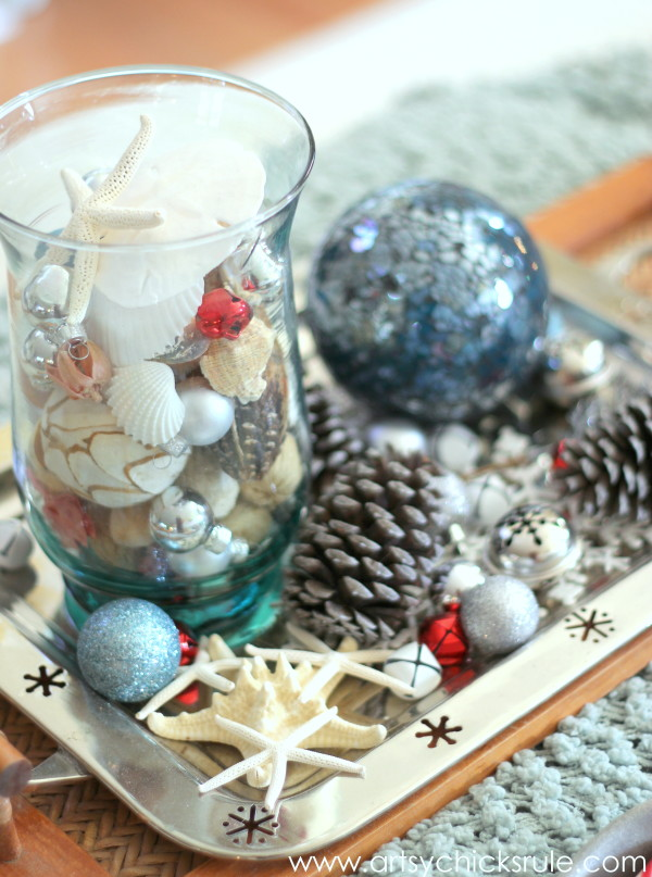 Decorating with Trays - Inspiration for using them in your home! - #holidaydecor #homedecor artsychicksrule.com