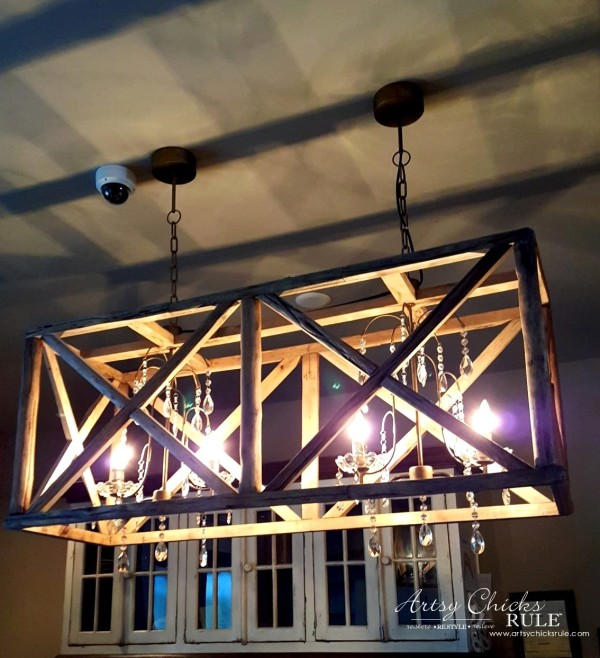 Mount Pleasant SC - Tavern & Table Restaurant - those lights are amazing - artsychicksrule