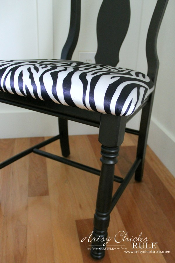 Zebra Chair Makeover (Animal Theme)  - Up close legs - $5 dollar thrifty makeover - artsychicksrule