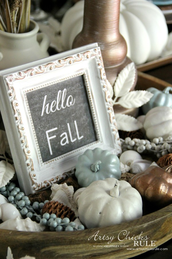 Coastal Casual Fall Tablescape - Happy Fall Faux Chalk Art - artsychicksrule #falldecor #falltablescape #coastaldecor