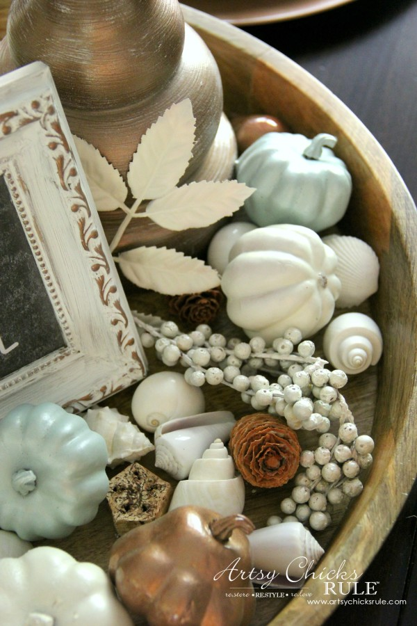Coastal Casual Fall Tablescape - seashells and blue coastal decor - artsychicksrule #falldecor #falltablescape #coastaldecor