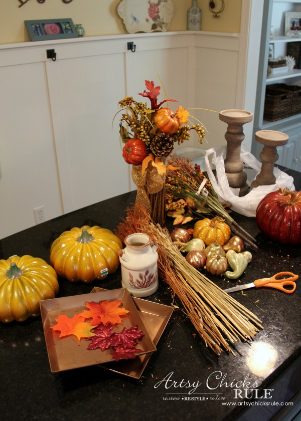Coastal Casual Fall Tablescape - what I started with - artsychicksrule #falldecor #falltablescape #coastaldecor