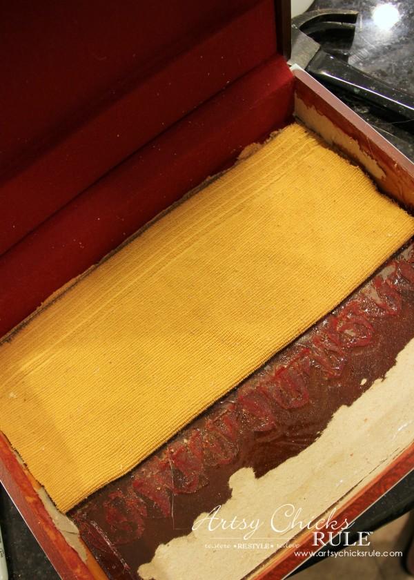 Robin's Egg Blue Beach Box - (Thrifted Flatware Box Makeover) - adding cloth to the bottom inside - #beachdecor #coastal #DIY artsychicksrule