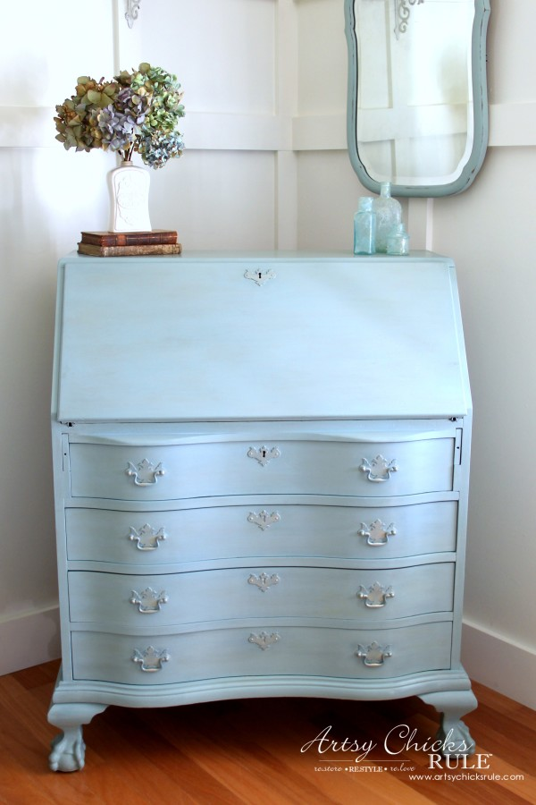 Secretary Desk Makeover (Chalk Paint® by Annie Sloan) - AFTER 1 - #MadeItMyOwn #sp #chalkpaint artsychicksrule