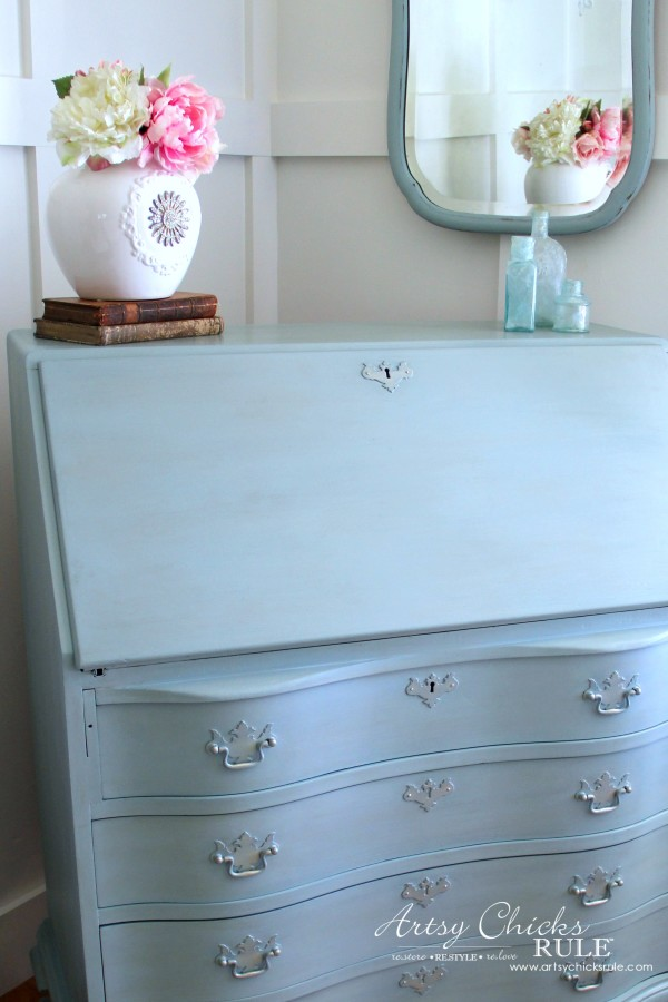 Secretary Desk Makeover (Chalk Paint® by Annie Sloan) - AFTER up close - #MadeItMyOwn #sp #chalkpaint artsychicksrule